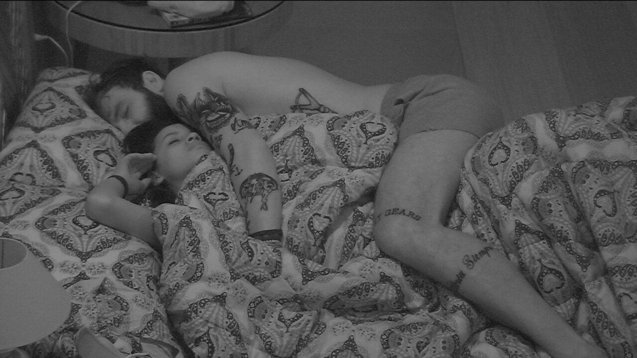 Após noite de Eliminação, brothers continuam dormindo