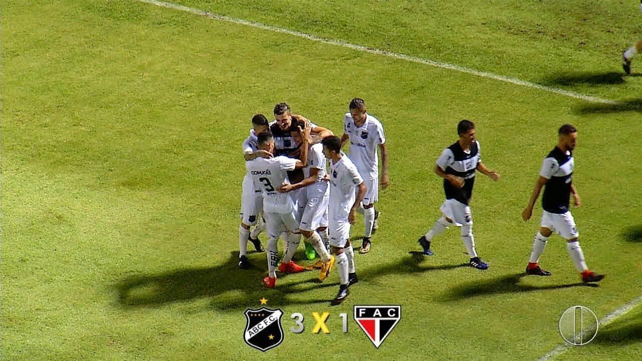 Rafinha marcou o seu primeiro gol como profissional diante do Ferroviário