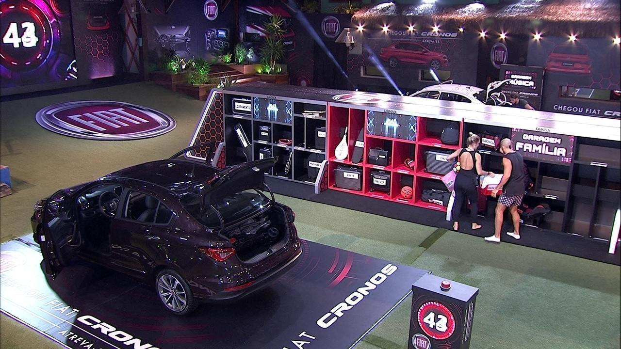 Jéssica e Kaysar devolvem itens à garagem Família