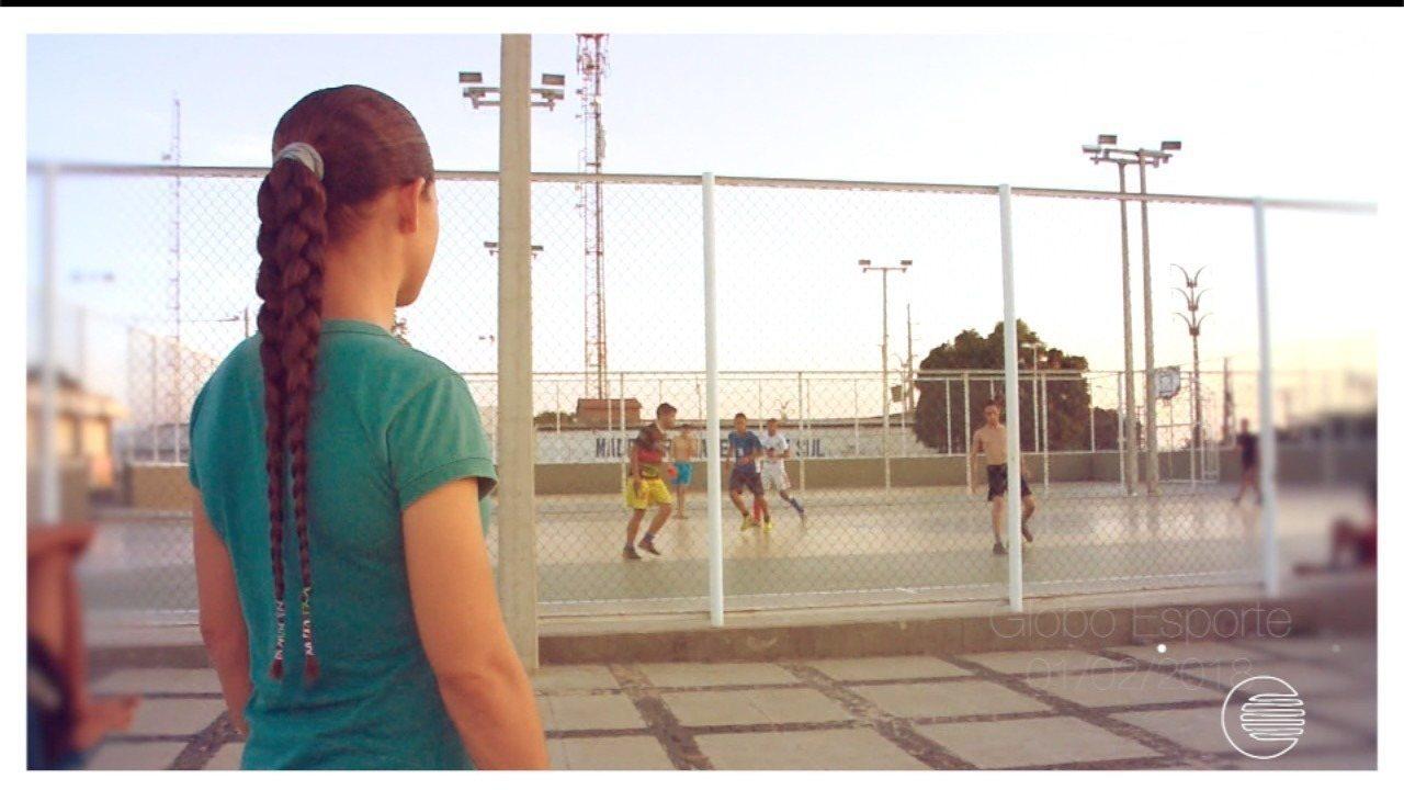 Atleta do futebol feminino vê retorno aos gramados próximo após cirurgia
