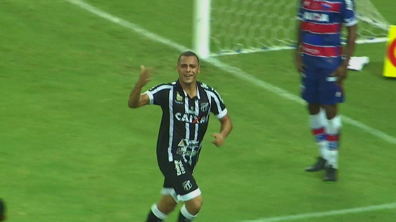 Aos 34`, Gol do Ceará! Após cruzamento de Wescley, Arthur não perdoa e marca gol