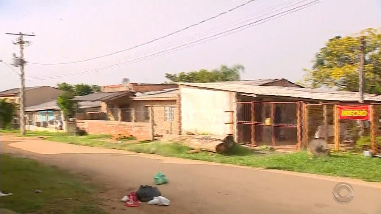 Três pessoas são mortas a tiros dentro de minimercado em Viamão
