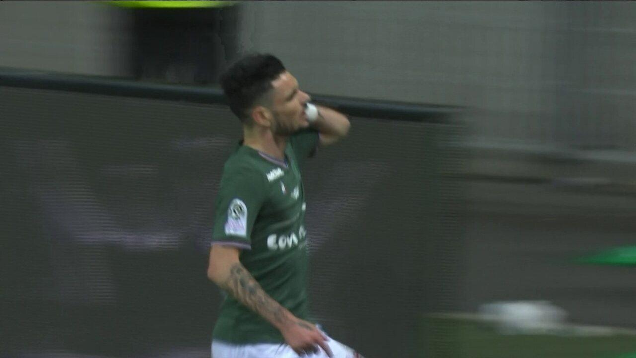Gol do Saint Etienne! Defesa do PSG falha e Cabella marca aos 17 do 1º tempo