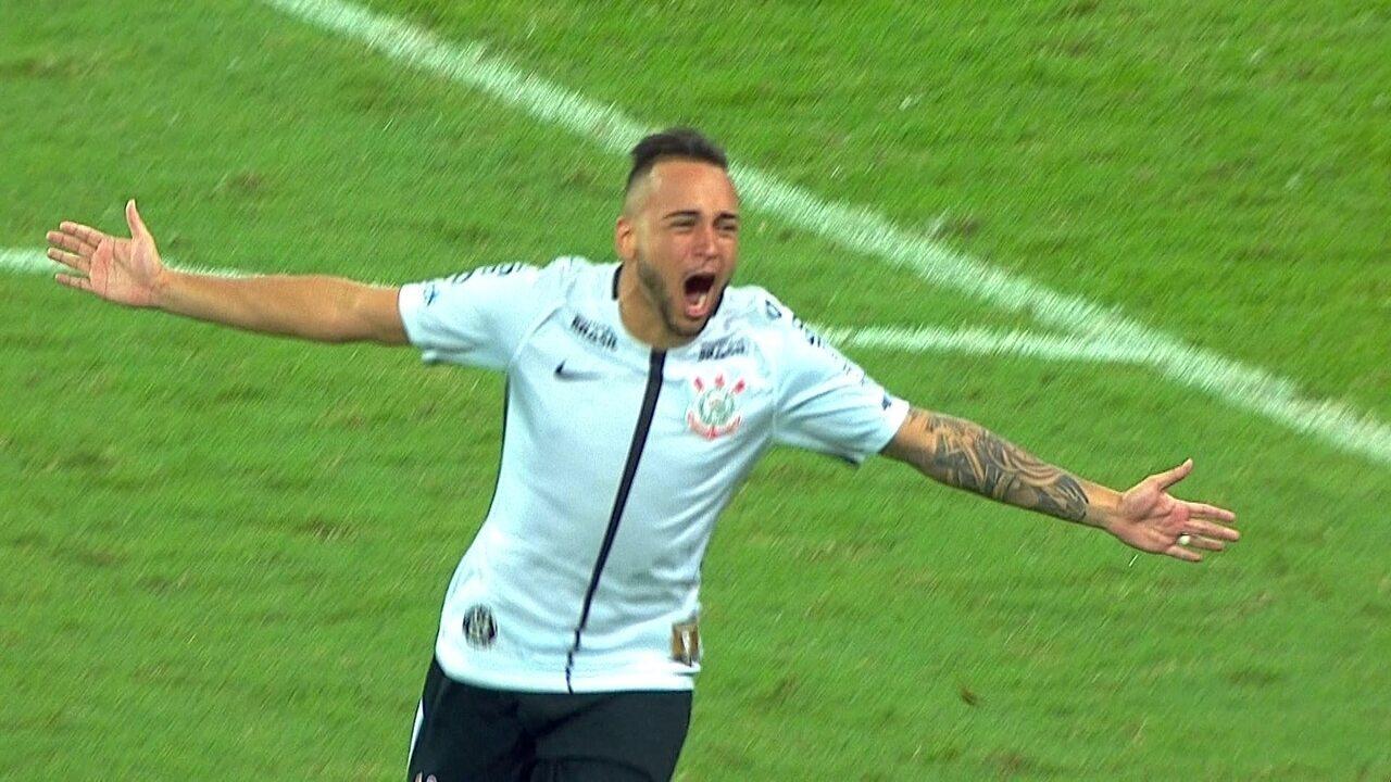 Gol do Corinthians! Maycon bate bem e dá o título ao Timão