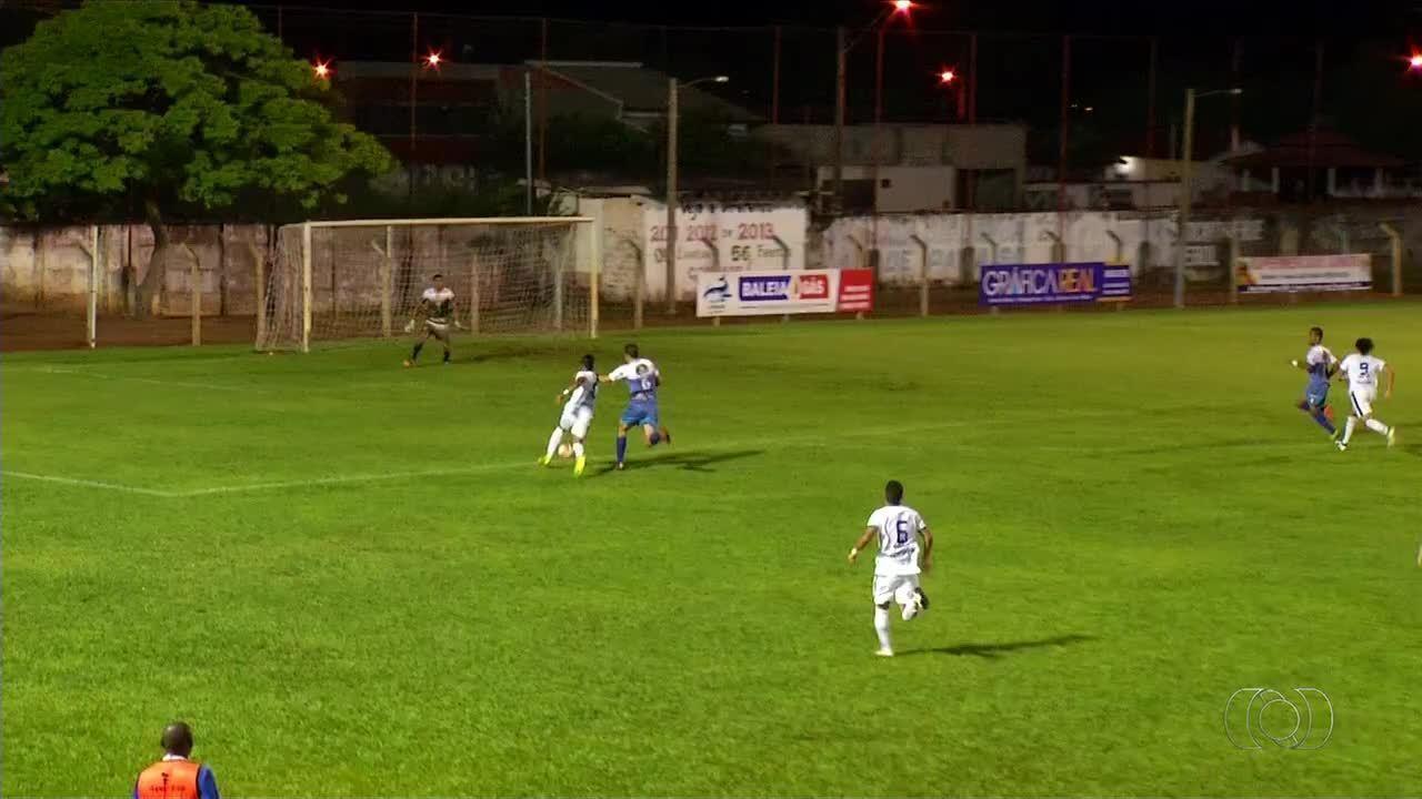 Paraíso e Palmas empataram por 0 a 0 em partida disputada no Pereirão