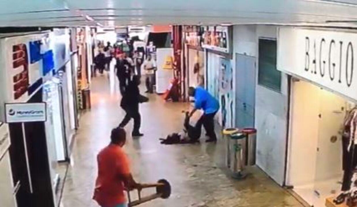 Vídeo mostra mulher sendo esfaqueada por marido em shopping na Tijuca