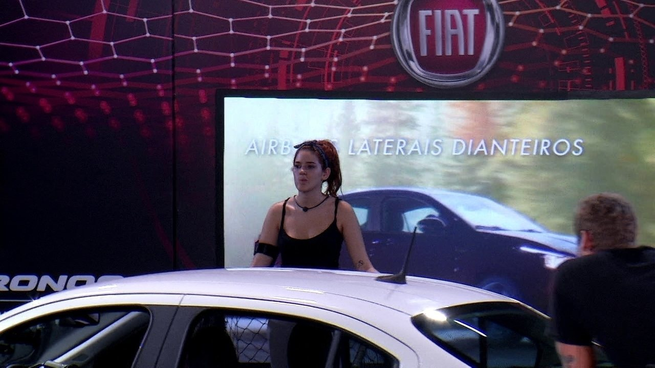 Ana Clara retorna para a plataforma e só resta uma chance de apertar o botão vermelho