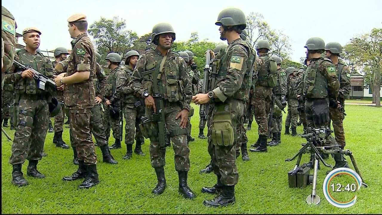 Militares da região partiram nesta segunda-feira para o RJ
