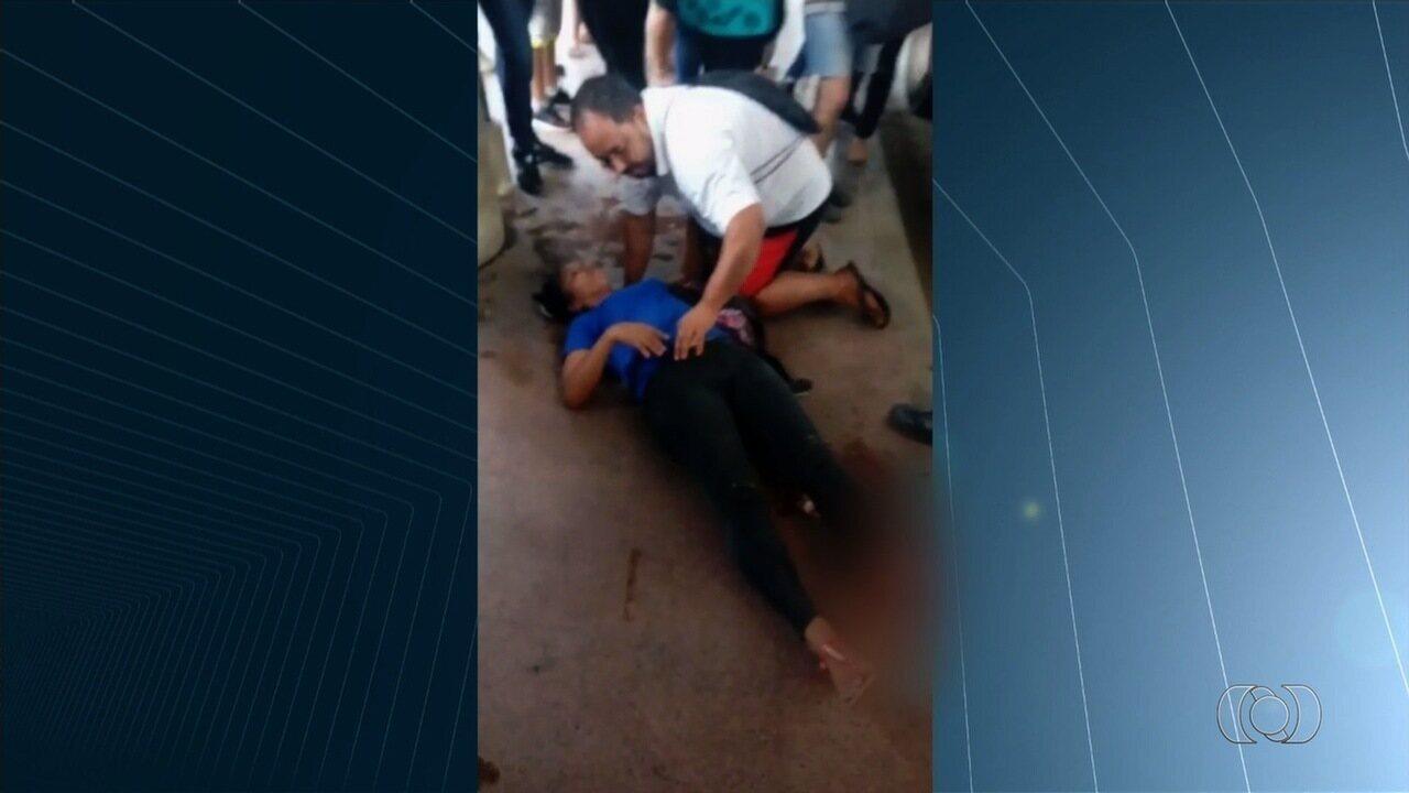 Após ter perna amputada em acidente de ônibus, mulher diz que não recebe assistência