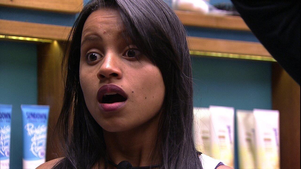 Voz do BBB anuncia que Kaysar e Breno devem arrumar as malas e Paula e Gleici se espantam