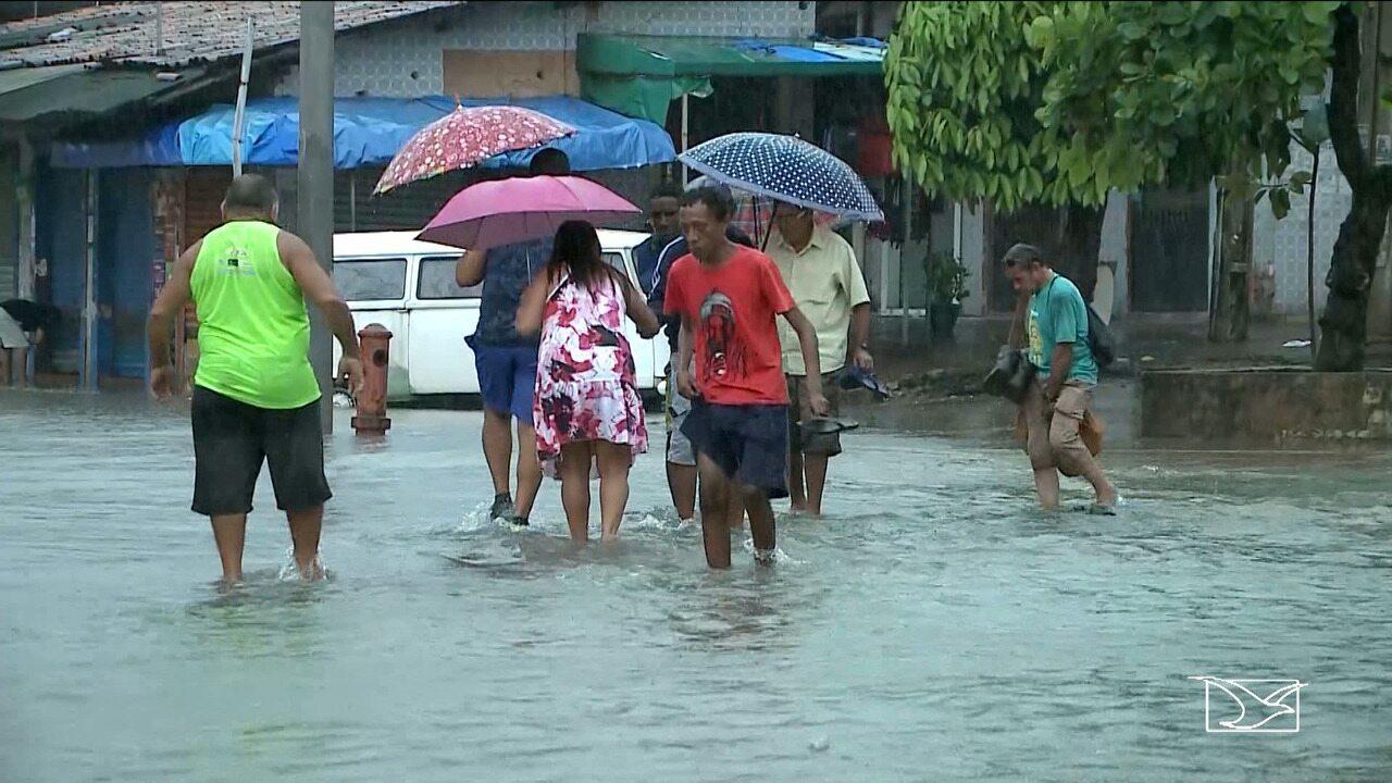 Chuva provoca alagamentos e prejuízos em São Luís
