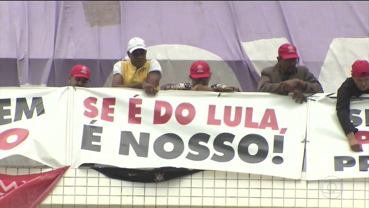 MTST invade triplex em Guarujá que é atribuído ao ex-presidente Lula