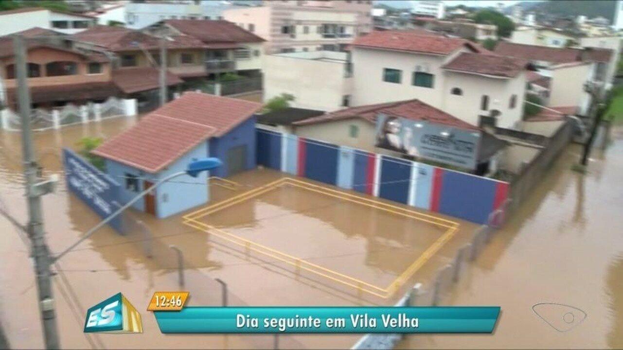 Ruas continuam alagadas em Vila Velha, ES