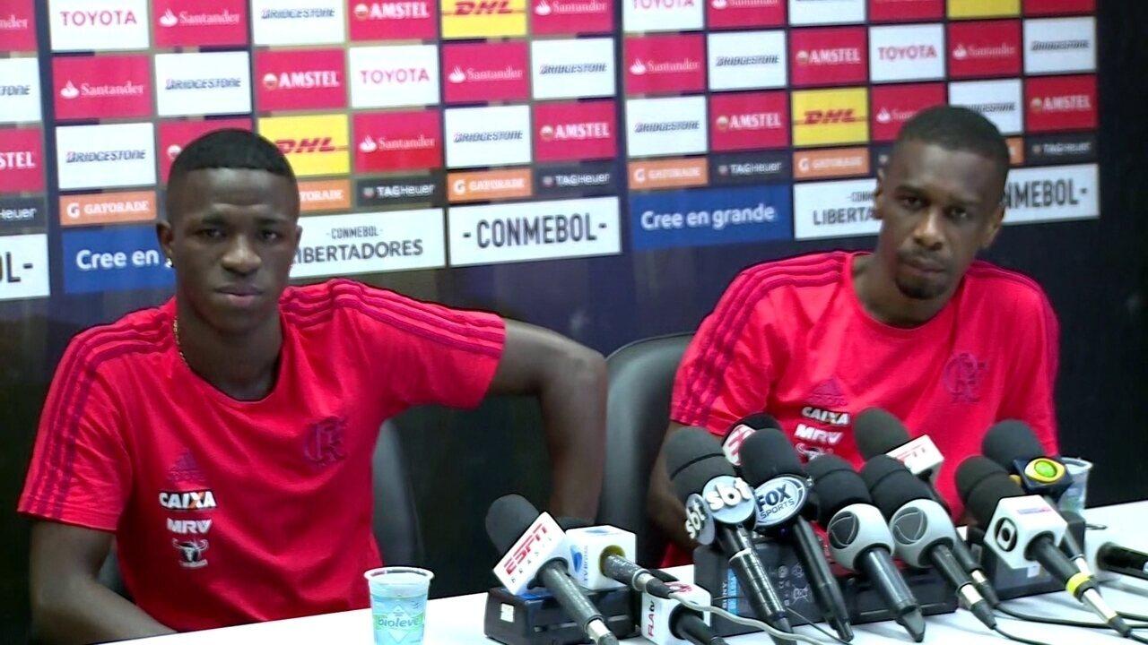 Vinicius Jr. e Juan falam após treino aberto no Maracanã
