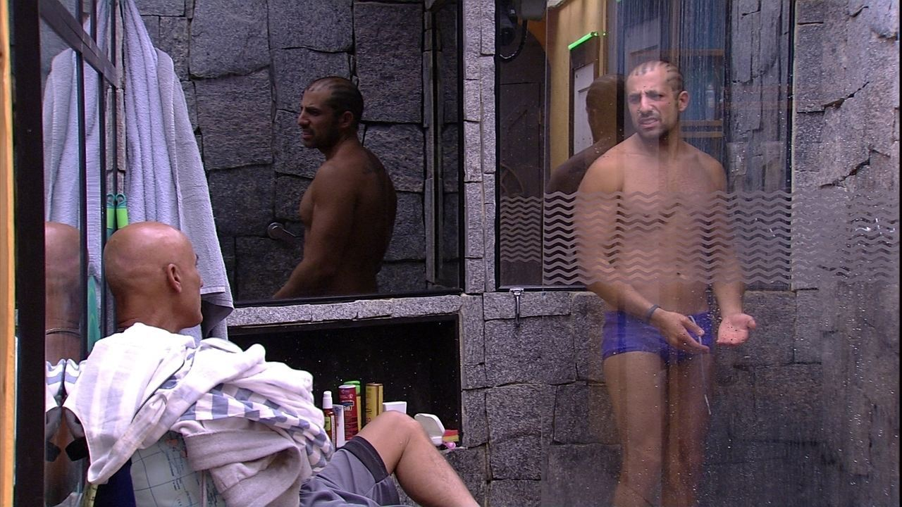 Kaysar toma banho e Ayrton conta sobre participação no BBB