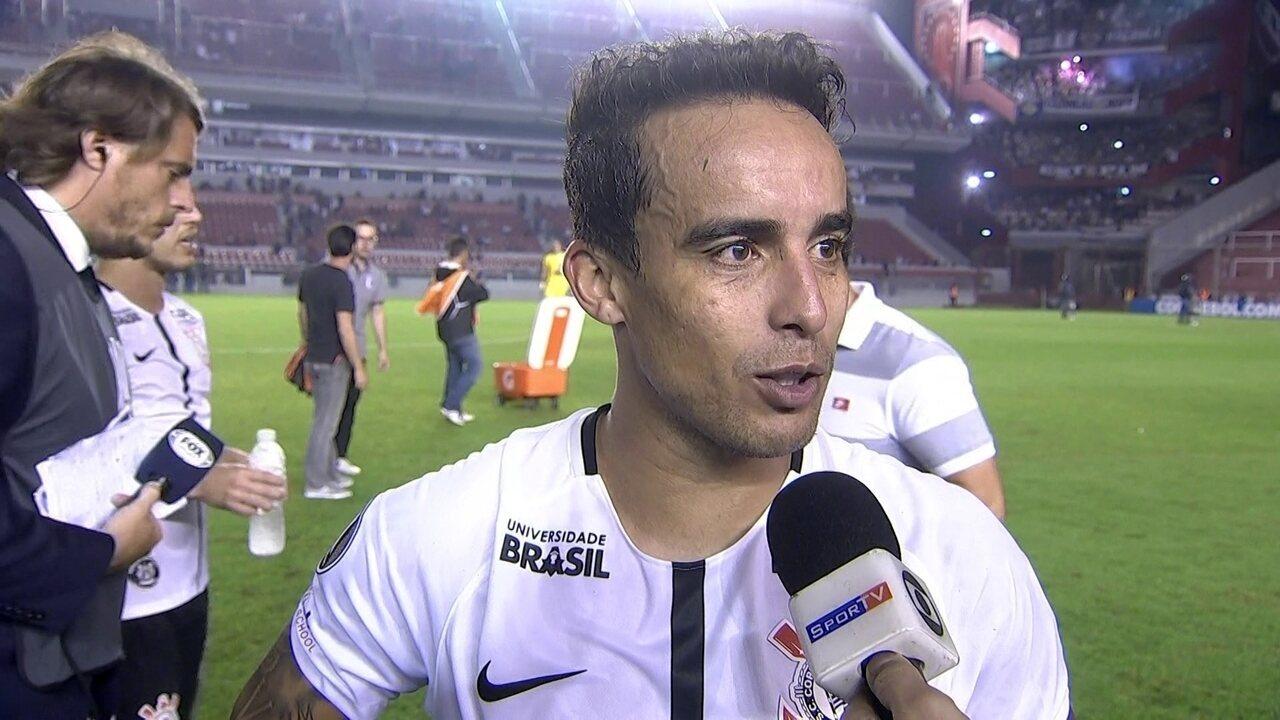 Jadson brinca após gol de cabeça no Corinthians: