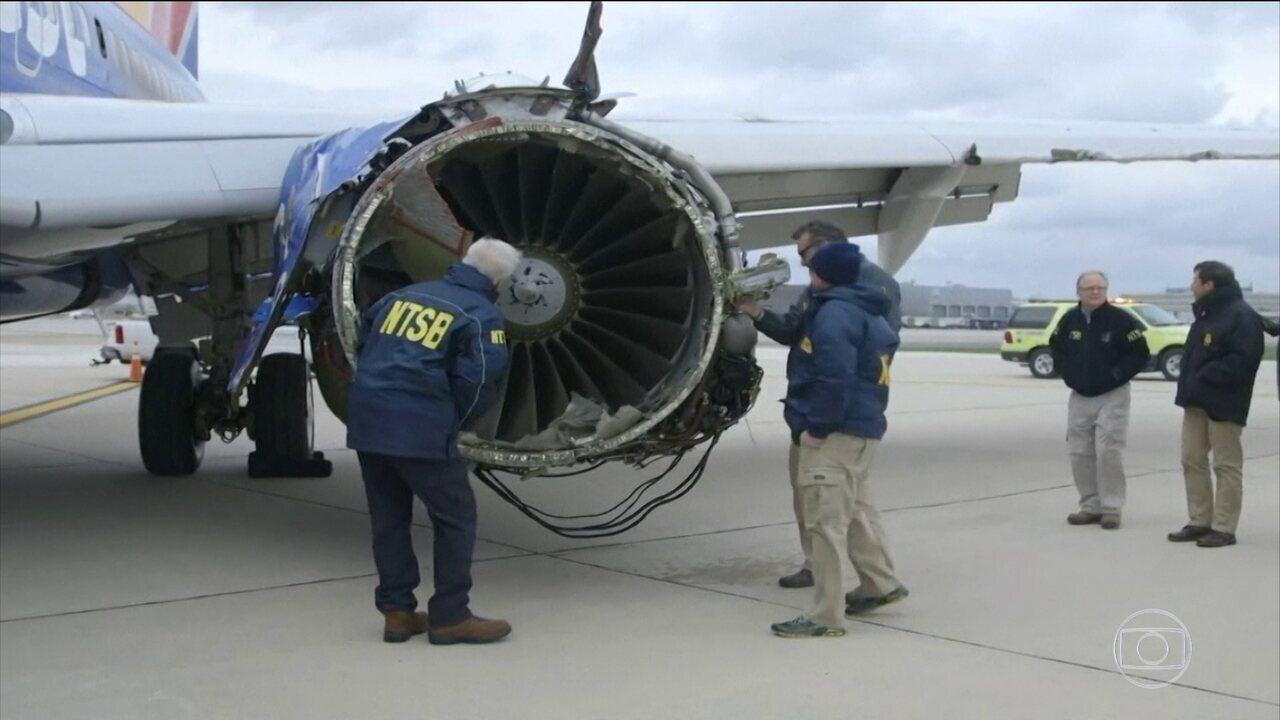 Áudio de conversa entre piloto de boeing que fez pouso forçado e controladores é divulgado