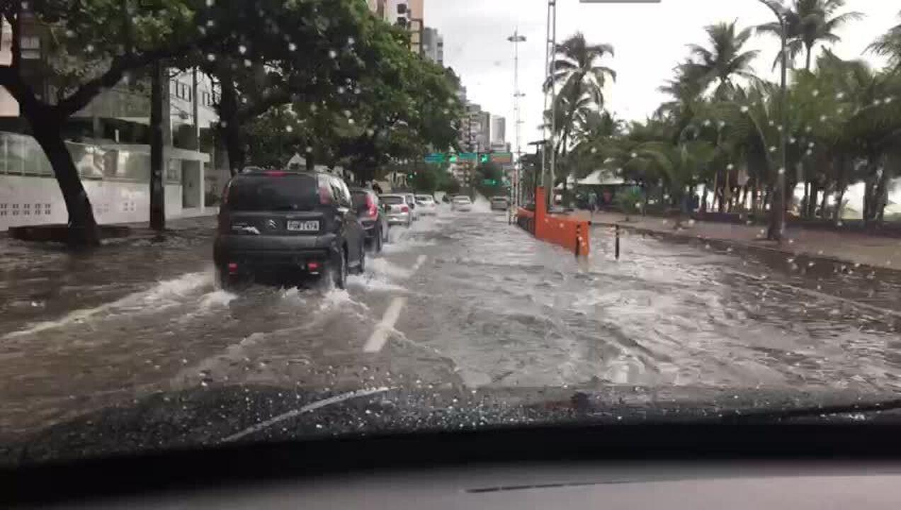 Apac emite novo alerta de chuvas fortes no Recife