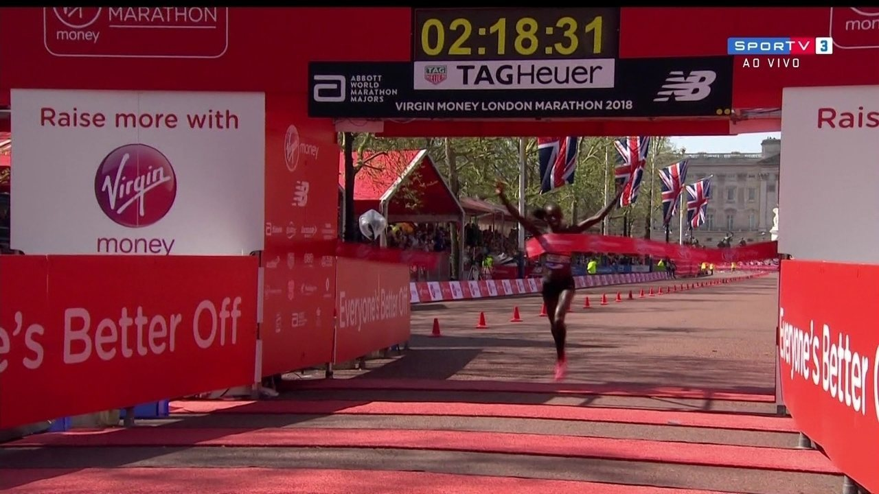 Vivian Cheruiyot, do Quênia, vence a Maratona de Londres