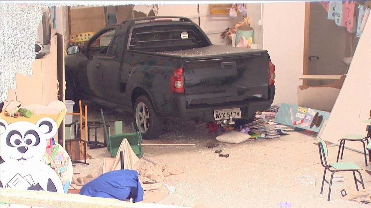Caminhonete invade creche e deixa crianças feridas em Chapecó