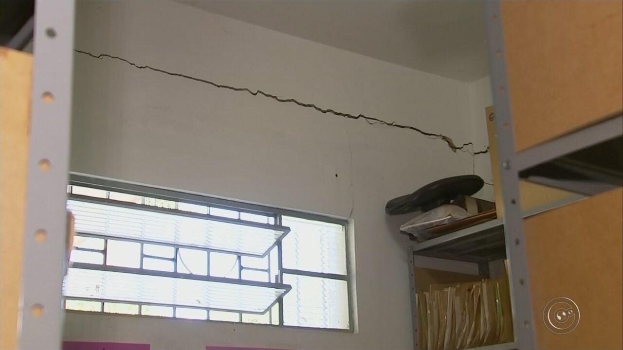 Rachaduras nas paredes da UBS de Tupã preocupam pacientes