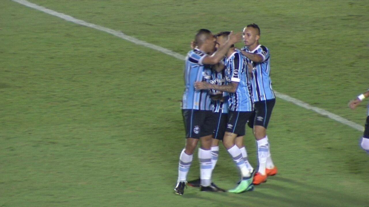 Grêmio treina no Rio após vitória sobre o Goiás
