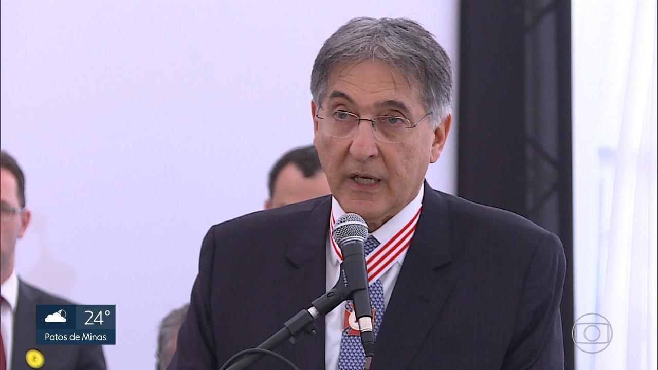 Assembleia de Minas aceita pedido de impeachment de Fernando Pimentel