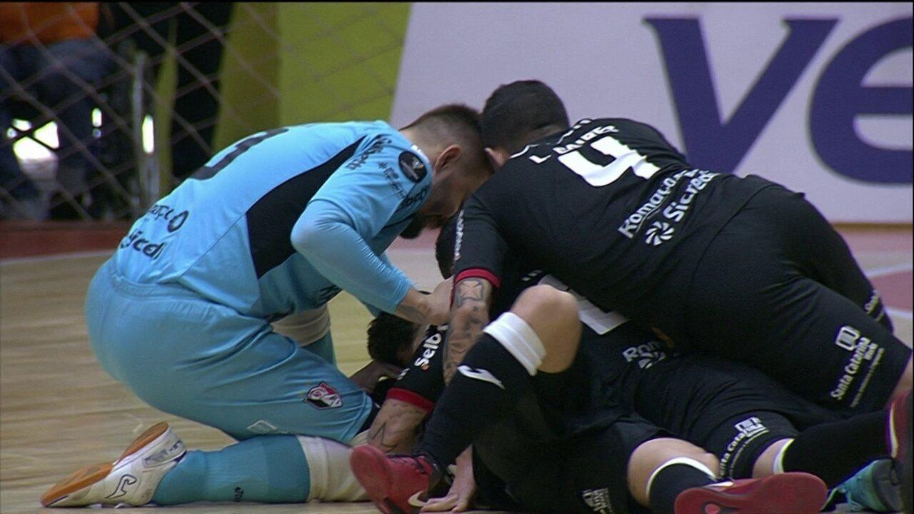 Os gols de Joinville 5 x 4 Sorocaba pela semifinal da Taça Libertadores