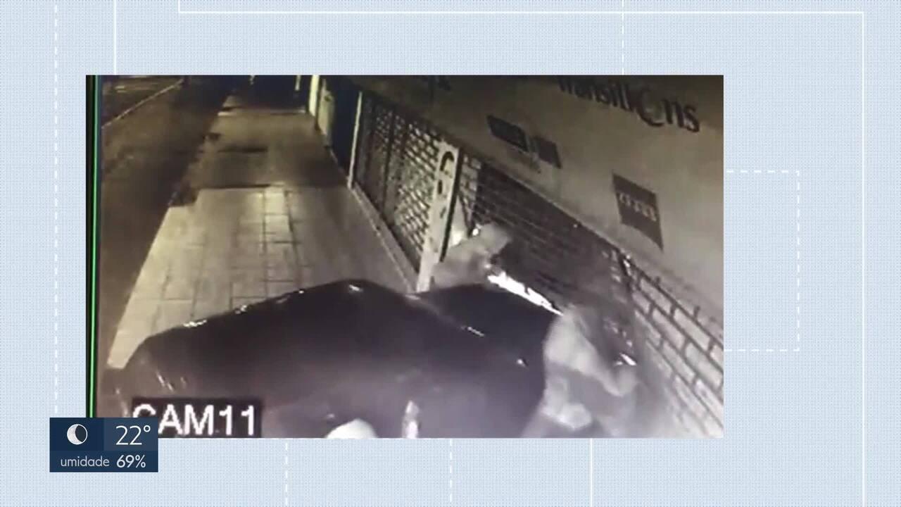 Bandidos se superam para não serem flagrados por câmeras de segurança