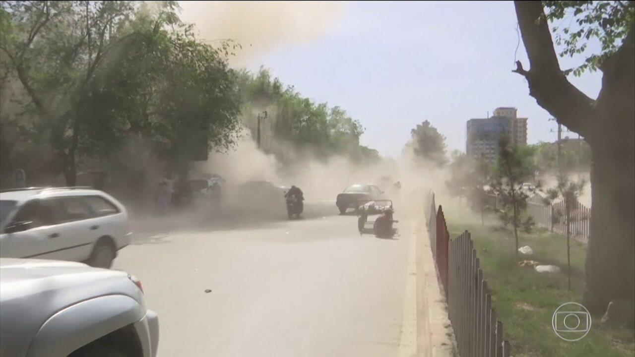 26 pessoas morrem e mais de 40 ficam feridas em dois atentados no Afeganistão