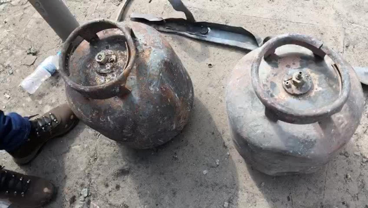 Peritos analisam botijões de gás encontrados em prédio que desabou em SP