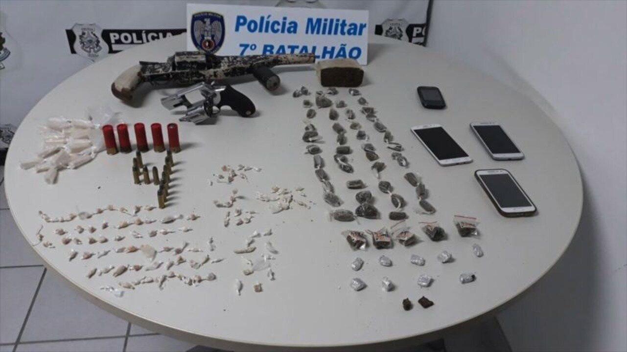 Cinco pessoas são detidas com armas e drogas após tiroteio em Cariacica, ES