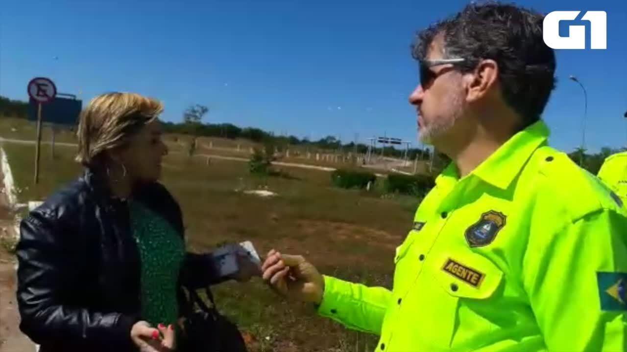 Agentes de trânsito impedem mulher de pegar Uber em Palmas