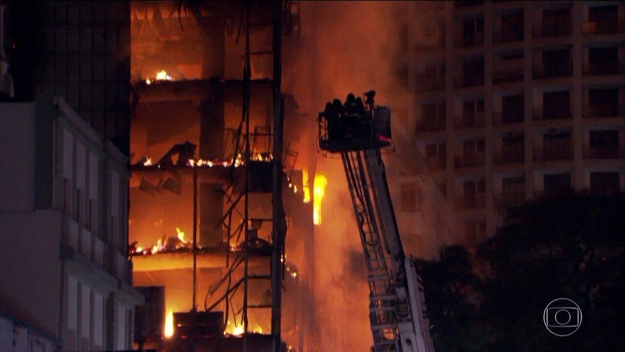 Curto-circuito provocou incêndio em prédio que desabou em SP, diz polícia