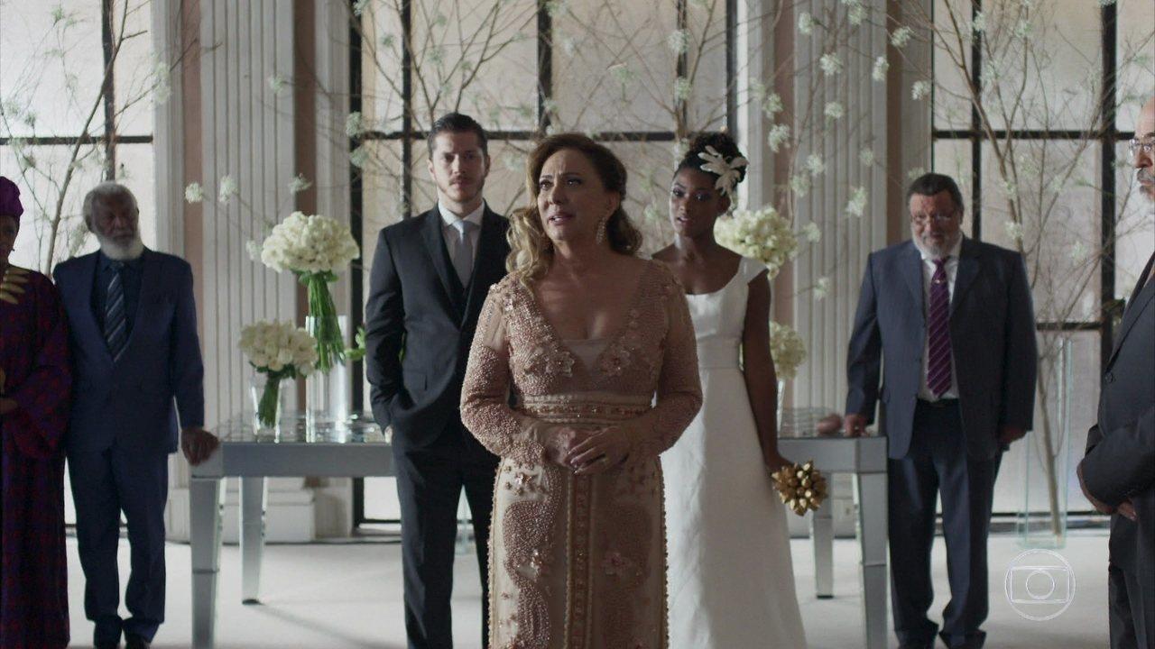 Nádia surpreende a todos no casamento de Bruno e Raquel