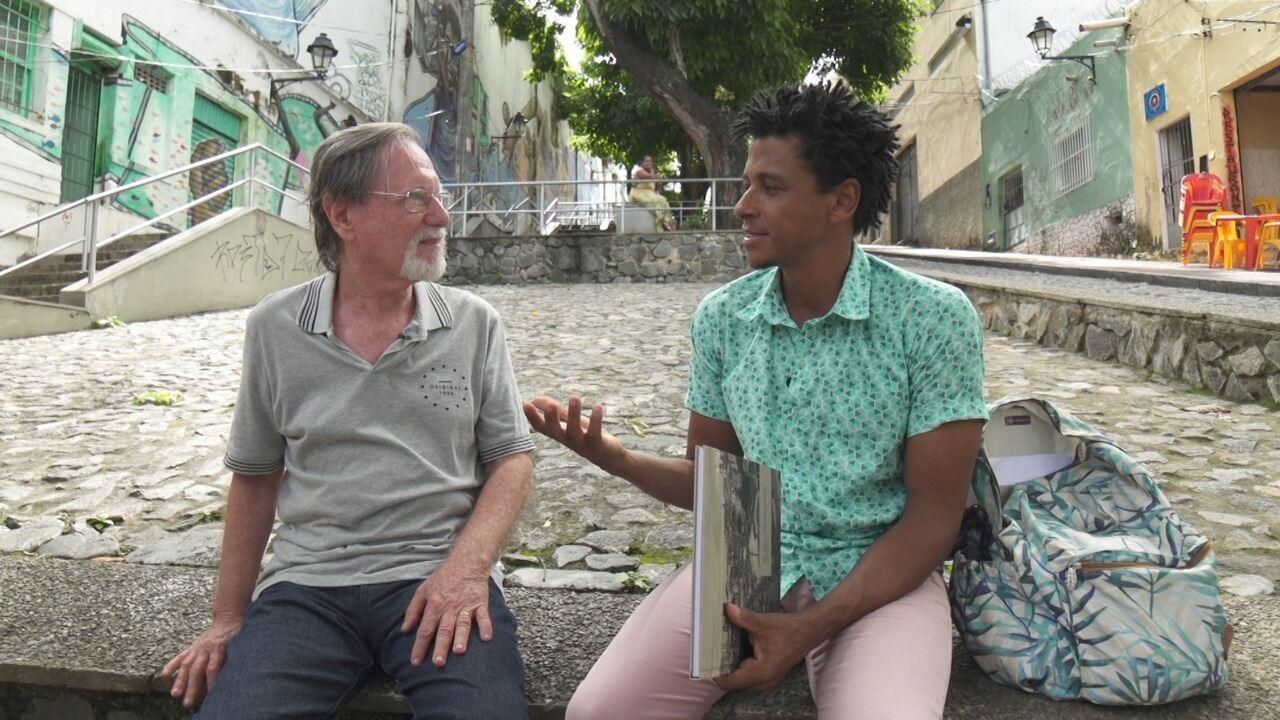 O 'Vumbora' faz um passeio pela Baixa dos Sapateiros com o escritor Leopoldo Bokor