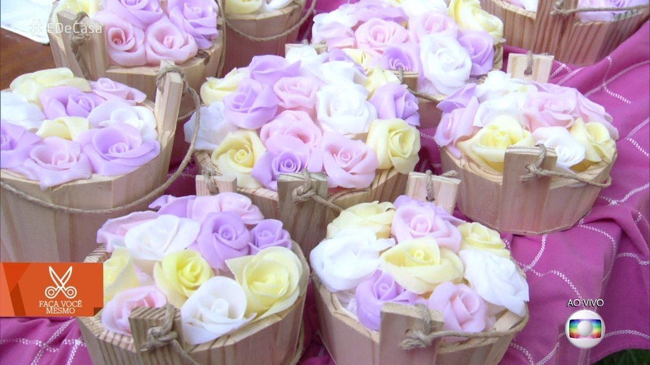 Artesão Peter Paiva ensina a fazer sabonete no formato de rosas para o Dia das Mães. Aprenda! 🖤