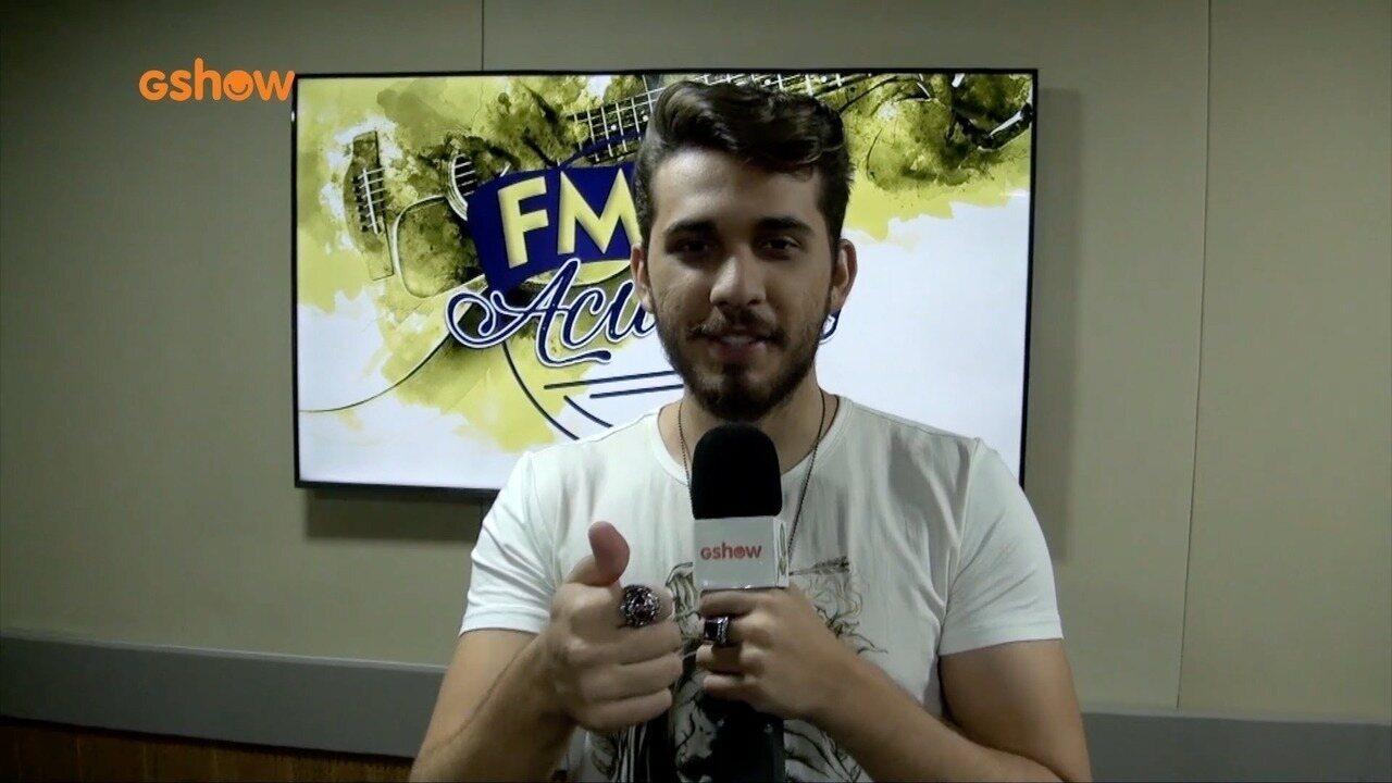 Gustavo Mioto faz show acústico especial para fãs cearenses
