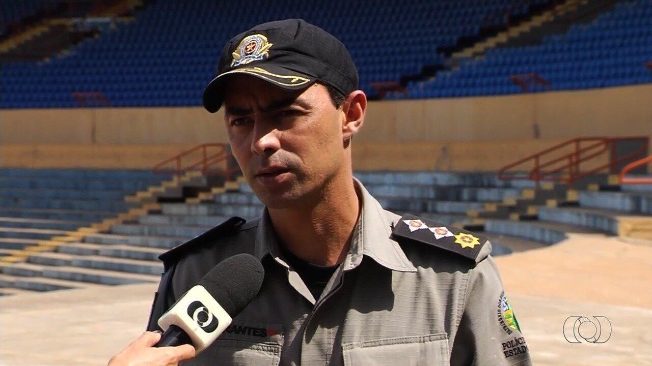 Major da PM diz que 10 policiais ficaram feridos e quatro torcedores foram presos