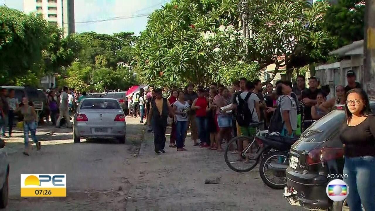 Eleitores enfrentam fila para regularizar situação eleitoral em São Luís