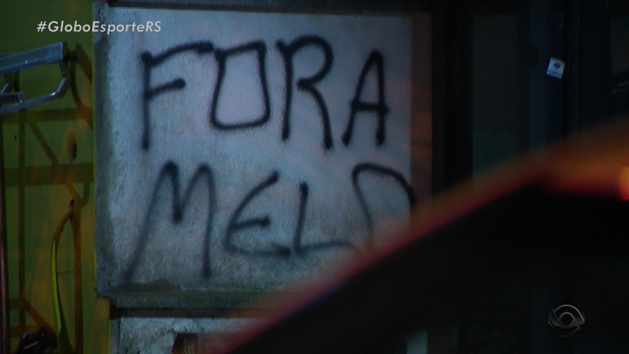 Residência de dirigente do Inter é alvo de vandalismo em Porto Alegre