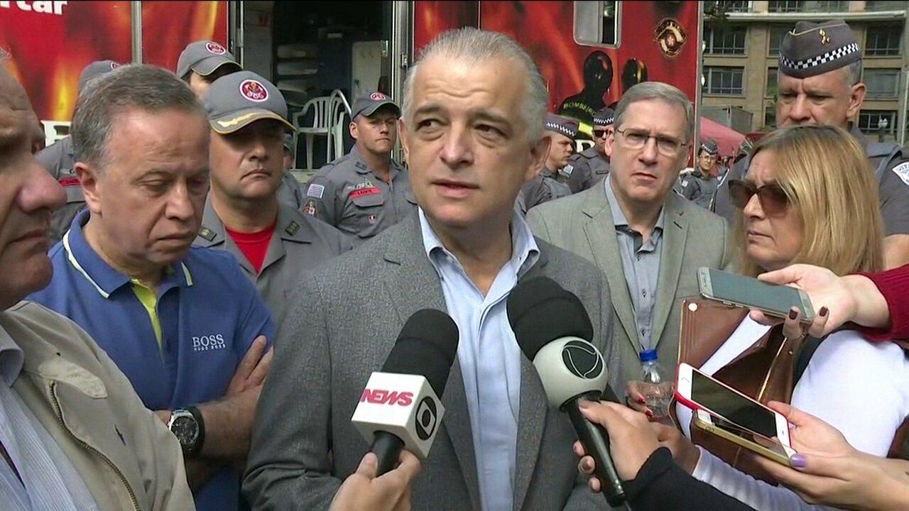 Governador de SP anuncia fim das buscas por vítimas em escombros de prédio que caiu