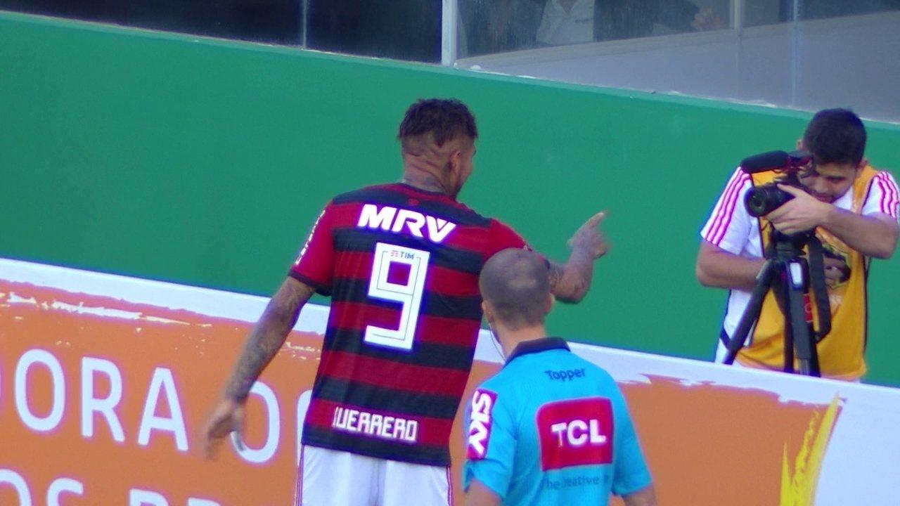 Gol do Flamengo! Trauco cobra falta na área e Guerrero cabeceia para o gol, aos 3 do 2º