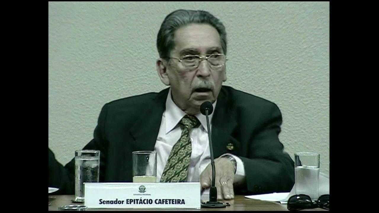 Político Epitácio Cafeteira morre aos 93 anos