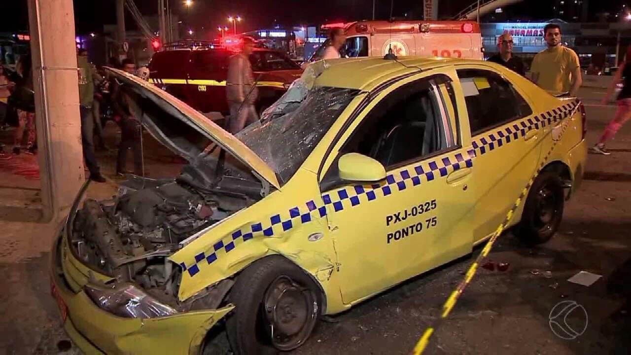 Acidente envolvendo táxi deixa quatro feridos no Bairro Manoel Honório em Juiz de Fora