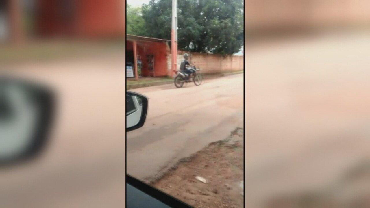 Parente de vítima filmou homem dirigindo motocicleta roubada nas ruas de Boa Vista