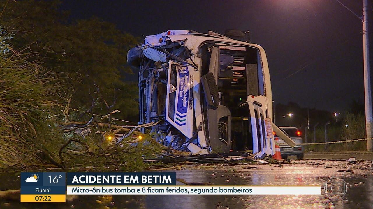 Acidente com micro-ônibus deixa oito feridos em Betim, na Grande BH