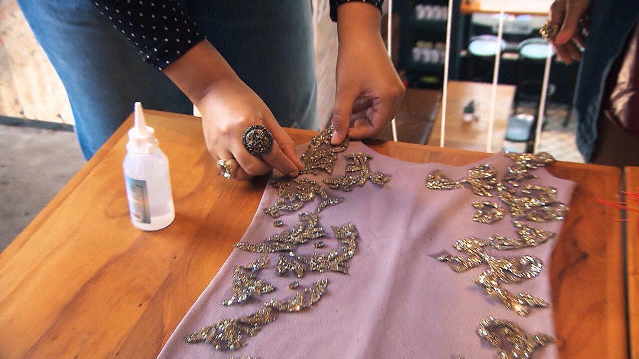 Estilista ensina como transformar roupas velhas em novas com customização, no 'Expresso'