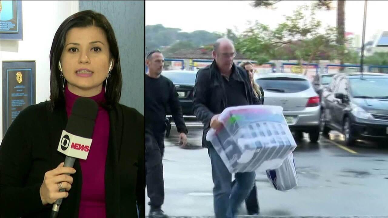 Fernando de Moura se entrega à Polícia Federal para cumprir pena