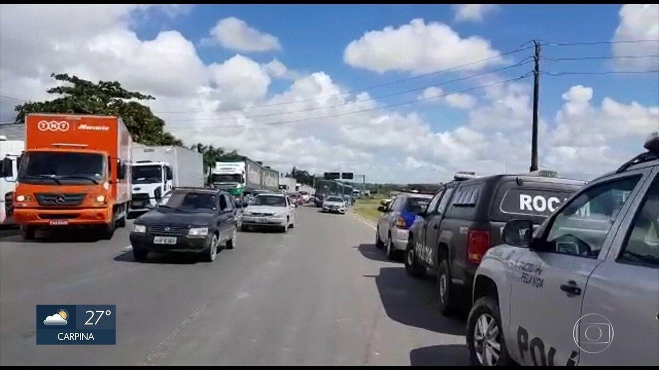 Caminhoneiros voltam a protestar contra aumento do combustível